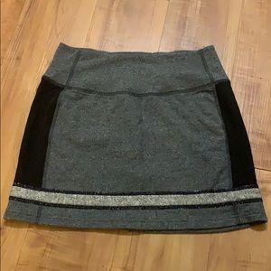 Woman Gray LULULEMON Skirt Size 4